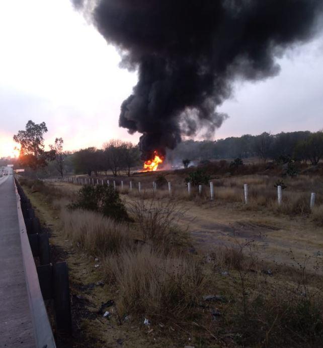 Foto: Incendio camioneta huachicol México-Querétaro