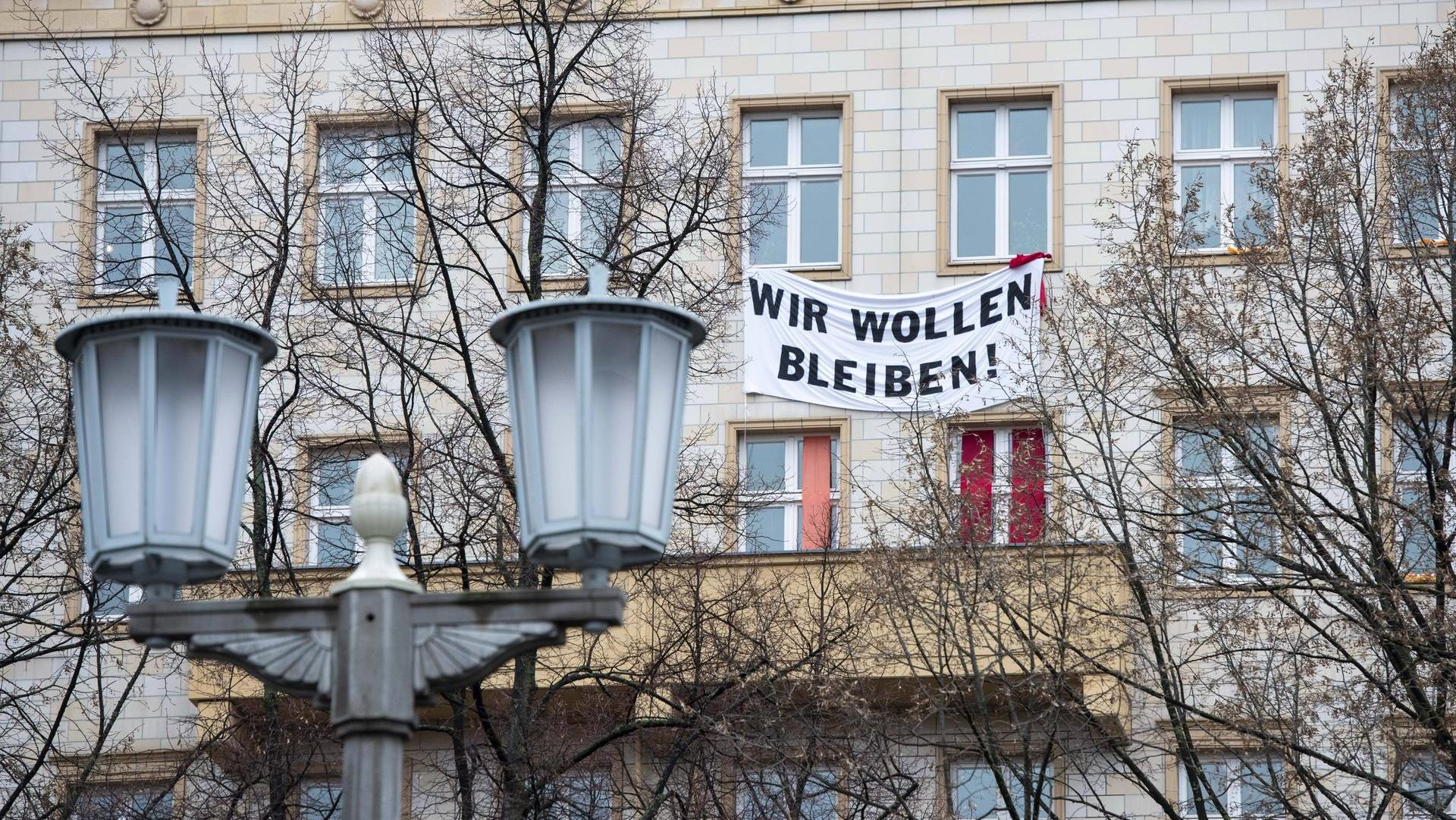 Los grandes terratenientes de Berlin, aquellos que tengan más de tres mil propiedades en sus portafolios, deberán ceder sus propiedades al Estado de ser vinculante un voto a favor (Bilder)