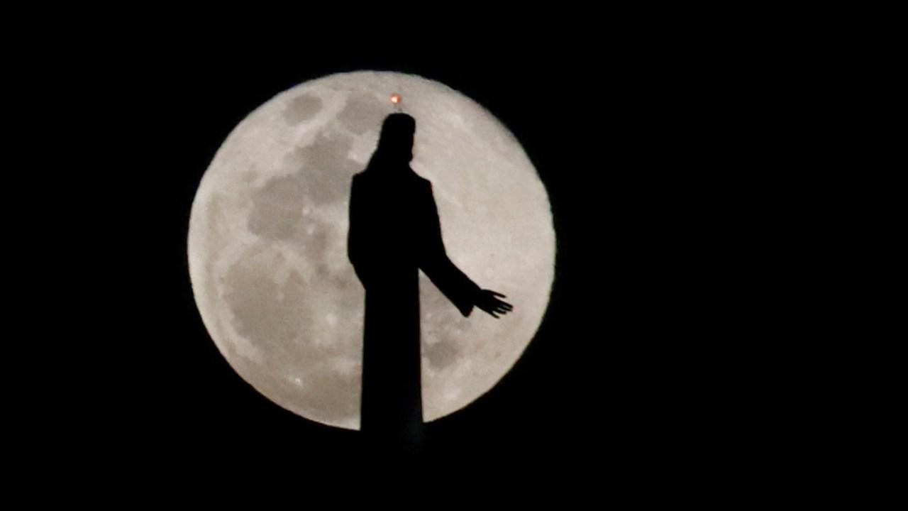 Fotos: Así deslumbró la 'Luna de Nieve', la superluna de febrero 2019
