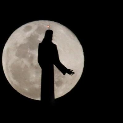 Fotos: Así deslumbró la 'Luna de Nieve', la superluna más brillante y hermosa del año