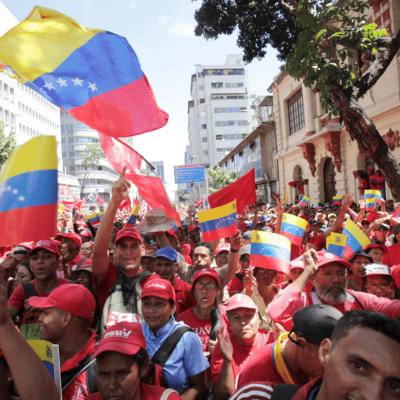 AMLO se solidariza con Jorge Ramos; llama al diálogo en Venezuela