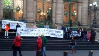 Foto: Exempleados bloquean acceso al Congreso de la CDMX; exigen su restitución, 1 febrero 2019