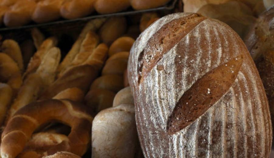 Adiós al mito: ¿Qué engorda más, el migajón o la corteza del pan?