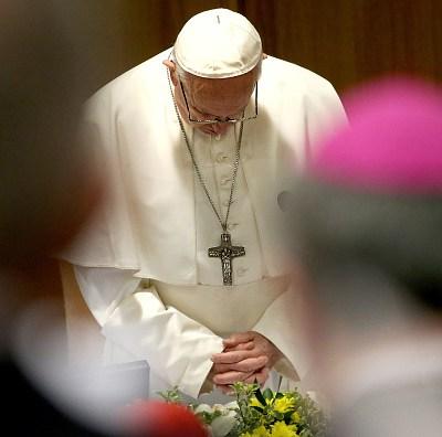 'Me trataron de mentiroso', cuentan víctimas de abuso en cumbre reunida en Vaticano