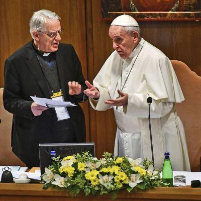 Vaticano publica 21 propuestas para combatir abusos sexuales del clero