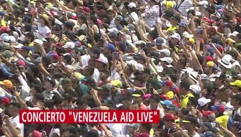 Paulina Rubio en concierto 'Venezuela Aid Live'