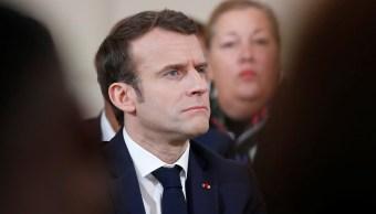 Foto: El presidente francés, Emmanuel Macron, escucha una pregunta durante una reunión con alcaldes en París, Francia, 2 de febrero de 2019 (Reuters)
