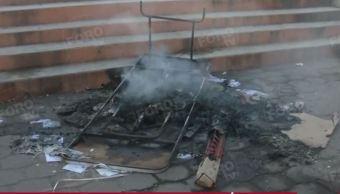 Foto: Los inconformes quemaron papelería en la casilla instalada en Temoac, Morelos, el 23 de febrero de 2019