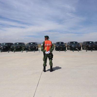 Realizan subasta de vehículos oficiales en Santa Lucía, Edomex
