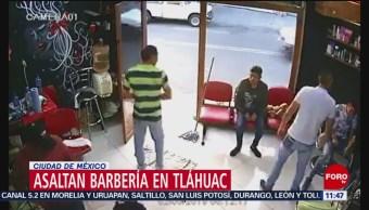 Sujetos roban barbería en Tláhuac, CDMX