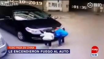 Todo Pasa En China: Le encendieron fuego al auto