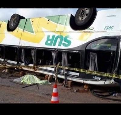 Volcadura de autobús de pasajeros deja seis muertos en Campeche