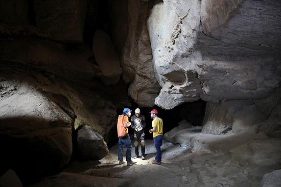 FOTO cueva de sal israel 3