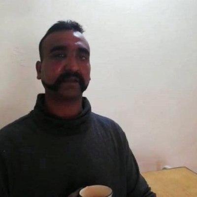 Pakistán libera al piloto indio capturado en Cachemira