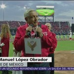 Foto: AMLO inauguró estadio de béisbol entre abucheos