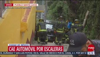 FOTO: Cae auto por escaleras en alcaldía Álvaro Obregón, 18 marzo 2019