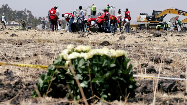 Cajas negras del avión de Ethiopian Airlines, trasladadas a París