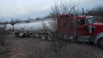 Camiones cisterna con combustible, asegurados en Chihuahua