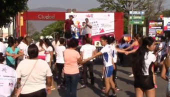 Foto: Más de 200 mujeres de Iguala, Guerrero, participaron en la primera carrera atlética de la mujer igualteca, marzo 10 de 2019 (Noticieros Televisa)