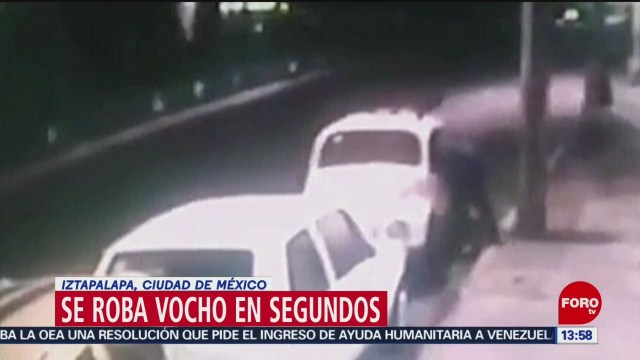 Foto: Delincuente se roba un vocho en segundos en Iztapalapa