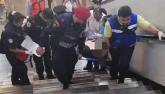 Foto: Embarazada cae de escaleras en estación Auditorio MetroCDMX 26 marzo 2019