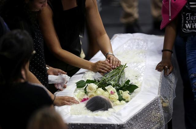Foto: Familiares despiden a Caio Oliveira, el 14 de marzo del 2019
