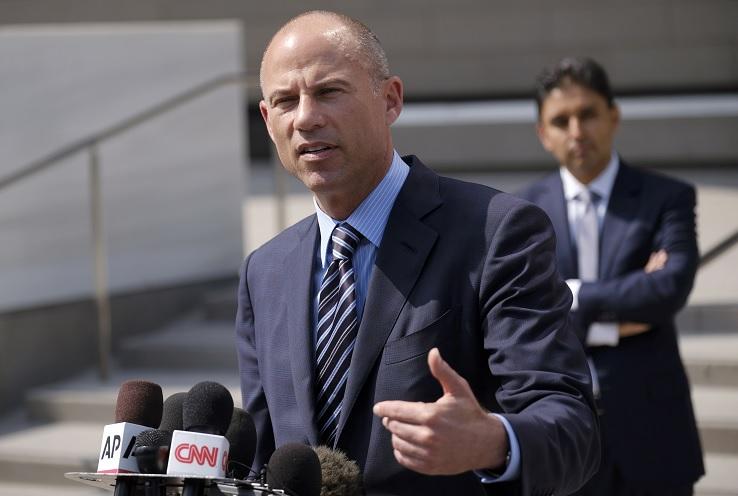 Foto: El abogado Michael Avenatti responde preguntas durante una conferencia de prensa en Los Angeles, EEUU. El 27 de julio de 2018