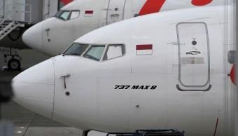 Foto: Un avión Lion Boeing Co. 737 Max 8 parado en la pista del Aeropuerto Internacional Soekarno-Hatta en Cenkareng, Indonesia. El 12 de marzo de 2019