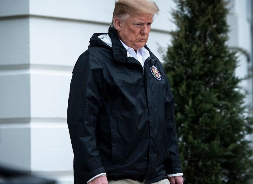 Foto: El presidente Donald Trump camina hacia Marine One para partir desde South Lawn en la Casa Blanca, el viernes 8 de marzo de 2019 en Washington, DC.