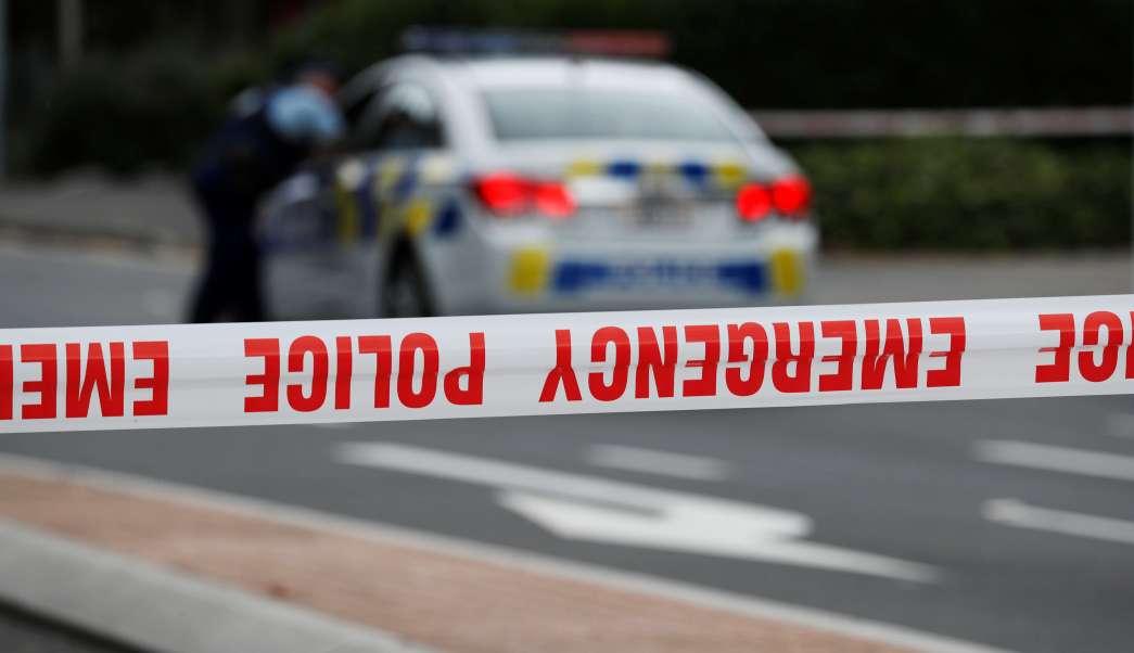 Foto: Una patrulla de la Policía de Nueva Zelanda vigila la mezquita de Masjid Al Noor en el distrito de Christchurch. El 16 de marzo del 2019