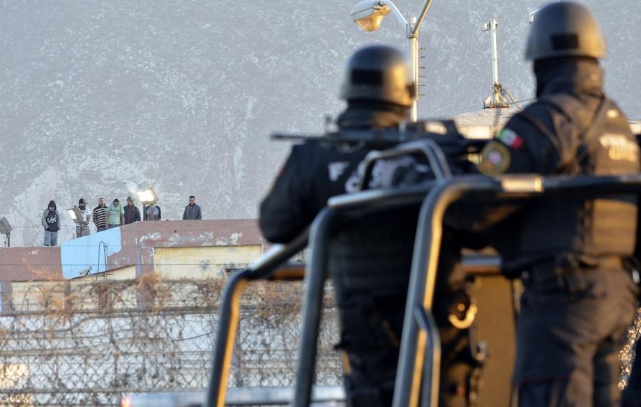 Foto: Policías federales custodian el penal de Topo Chico, en Monterrey, Nuevo León, México, después de disturbios. El 11 de febrero de 2016
