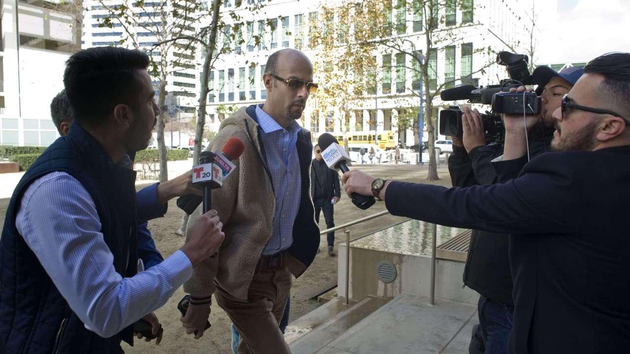 Foto: El expelotero mexicano, Esteban Loaiza, a su llegada al tribunal federal en San Diego, California, EEUU, el 8 de marzo del 2019
