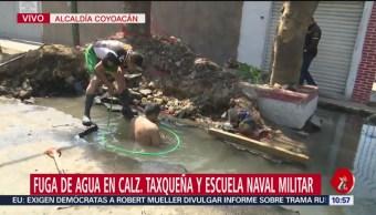 FOTO:Fuga de agua en Calzada Taxqueña causa daños a negocios, 24 Marzo 2019