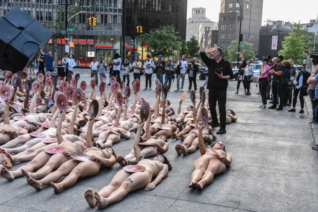 foto Spencer Tunick protesta facebook nueva york 2 junio 2019