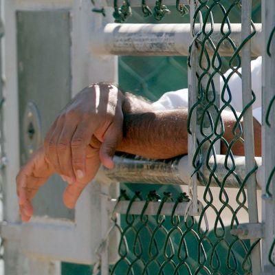 Reo obtiene permiso para salir de prisión y comete feminicidio