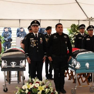 Homenajean a policías asesinados en Chihuahua; aún no hay detenidos