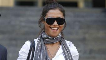 Foto: La modelo marroquí Imane Fadil sonríe mientras sale de un tribunal en Milán, Italia, 16 marzo 2019