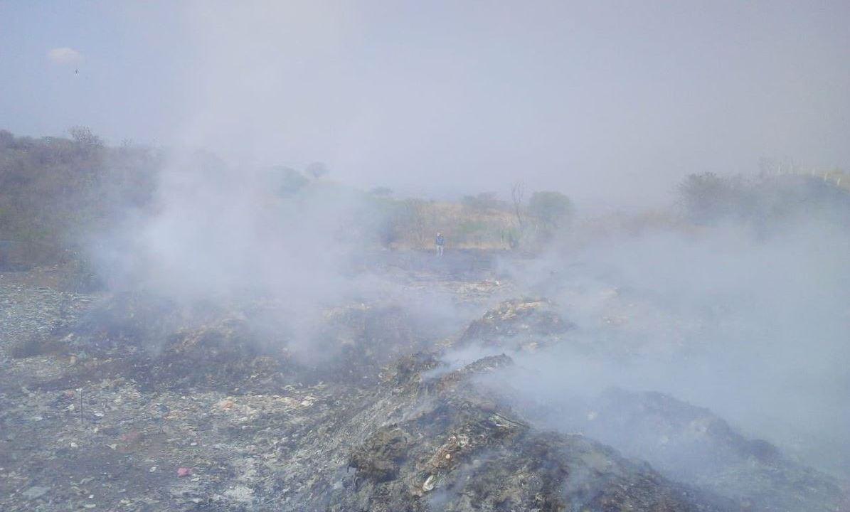 Foto: Hasta el momento se ha quemado un 60% del basurero y no se ha podido controlar, el 23 de marzo de 2019 (Protección Civil de Chiapas)