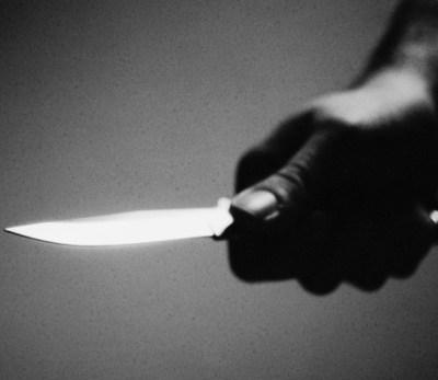Mujer mata a hija de 11 años, pensaba que tenía relaciones sexuales