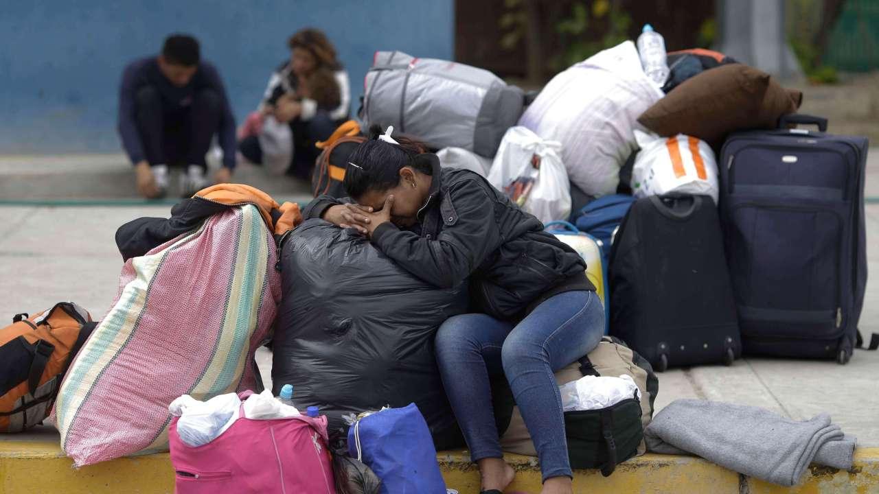 FOTO La discriminación contra las mujeres reduce PIB global 7.5%, según informe de la OCDE; en la imagen, una mujer migrante AP agosto 2018 peru ap