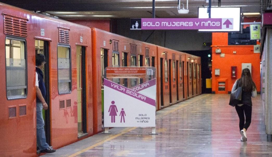 Imagen: El Metro de la CDMX tiene vagones especiales para que viajen solo mujeres, el 16 de marzo de 2019 (Cuartoscuro, archivo)