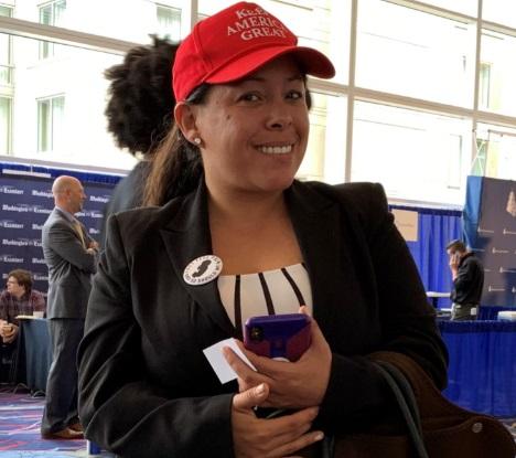Foto: La mexicano-estadounidense Paloma Zuñiga participa en la Conferencia de Acción Política Conservadora en las afueras de Washington, marzo 3 de 2019 (EFE)