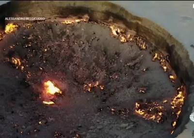 'Puerta del Infierno' arde 50 años después