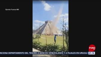 Foto: Remolino Torbellino Pirámide Kukulkán Yucatan 22 de Marzo 2019