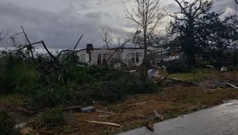 Foto: Un tornado azota Alabama, Estados Unidos, dejando destrucción a su paso, 3 de marzo de 2019 (Twitter: @Kippykippykip)
