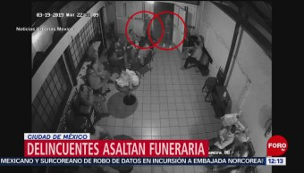 Video capta robo dentro de funeraria en la CDMX