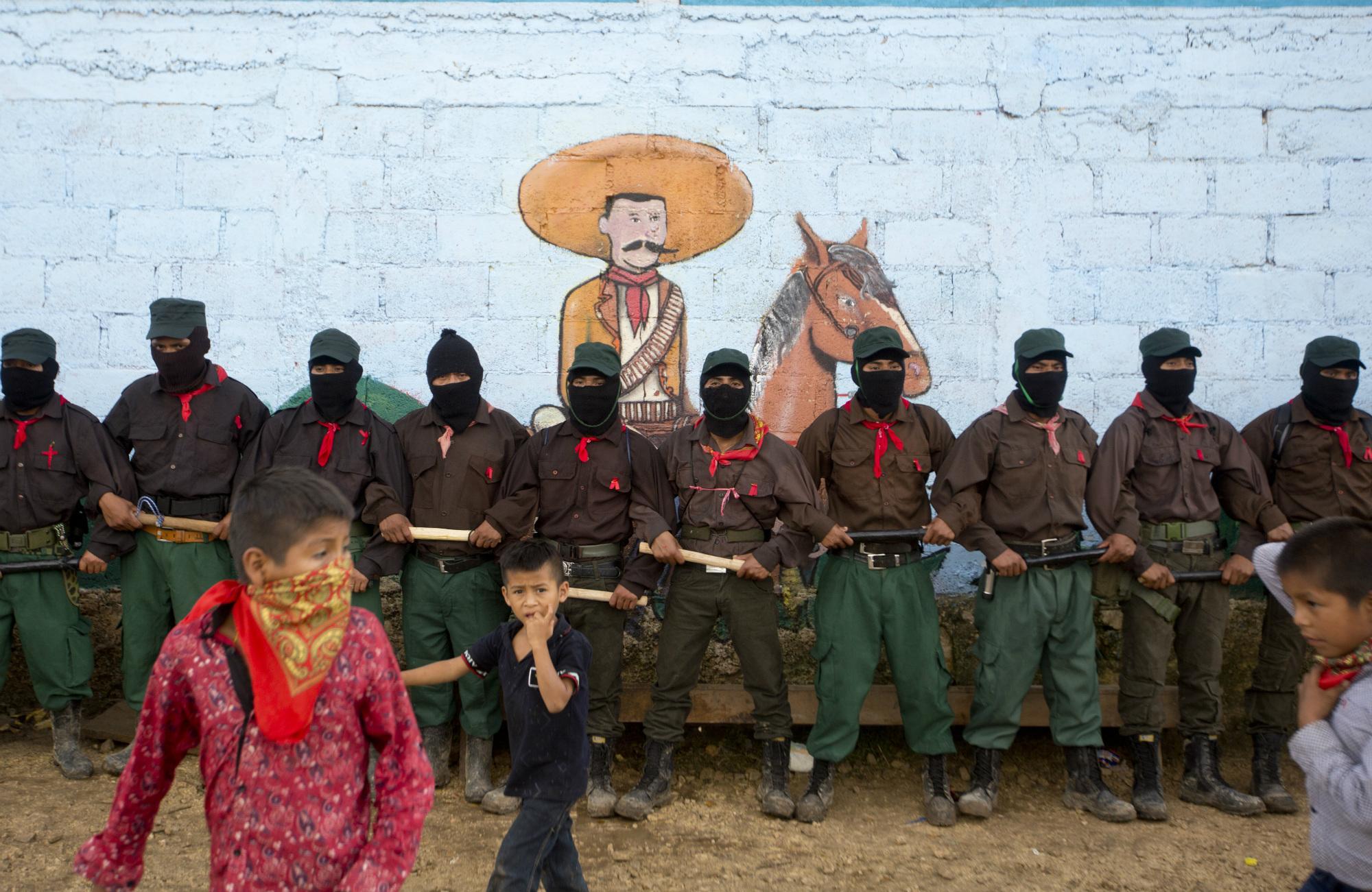 Zapatistas en La Garrucha, Chiapas, 2017. (AP Photo/Eduardo Verdugo)
