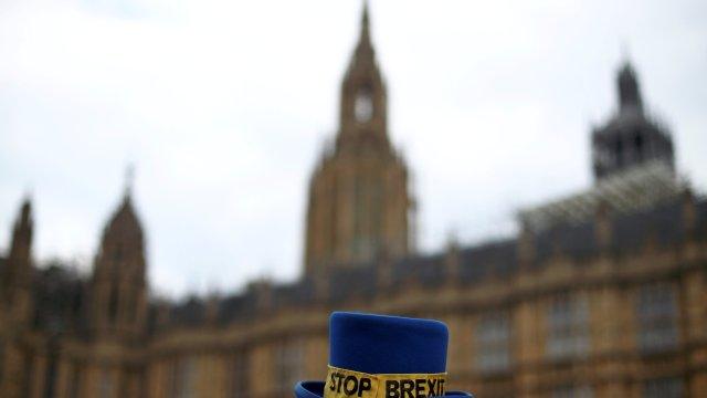 Tusk quiere ofrecer a Reino Unido prórroga de un año para Brexit