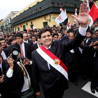 Muere el expresidente peruano Alán García, tras darse un tiro