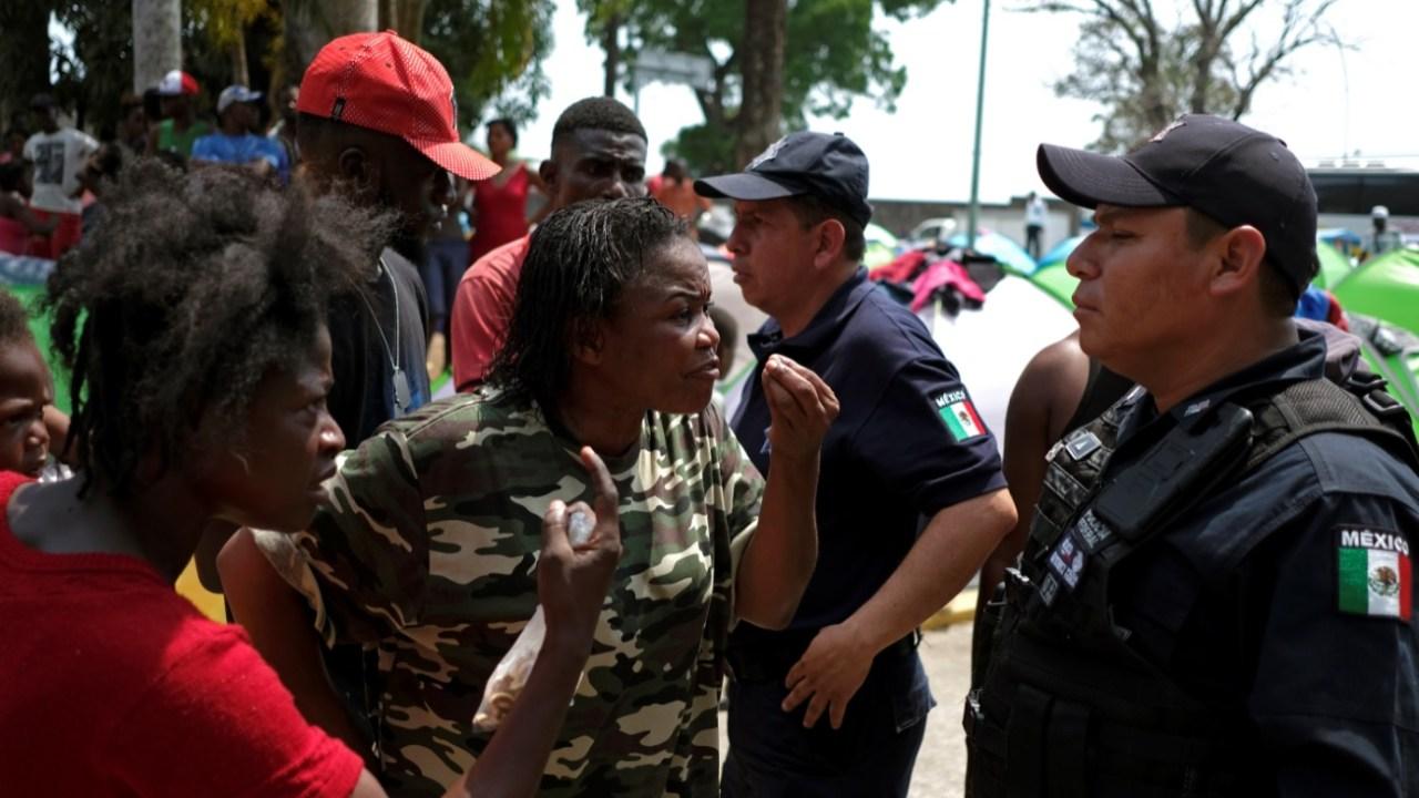Aumenta tensión por desesperación de migrantes cubanos y africanos en Tapachula, Chiapas